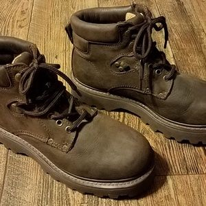 AE Foot Gear Shoes - Mens size 10 A E Foot Gear Thinsulate boots